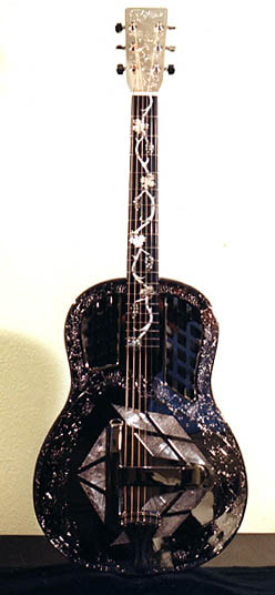 Triplate resonator guitar